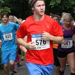 Helsinki Half Marathon - Aleksi Kivelä (576), Niilo Luotonen (822)