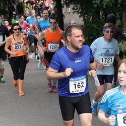Helsinki Half Marathon - Tony Eichholz (162), Jorma Väkiparta (1721)
