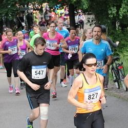 Helsinki Half Marathon - Olli Kaven (547), Anne Luukkonen (827)