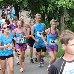 Helsinki Half Marathon - Kristiina Komulainen (613), Tuija Pehkonen (1087)