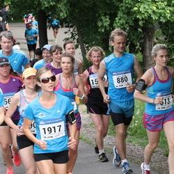 Helsinki Half Marathon - Kristiina Komulainen (613), Jarno Mehtiö (880), Tuuli Talvitie (1917)