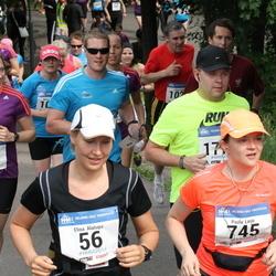 Helsinki Half Marathon - Elina Alatupa (56), Paula Larjo (745)