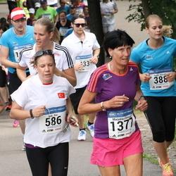 Helsinki Half Marathon - Noora Hyysalo (388), Ipek Koc (586), Marjukka Sinisalo (1377)