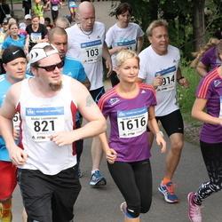 Helsinki Half Marathon - Marko Luostarinen (821), Jenni Ojasalo-Rinkinen (1031), Helka Vasarainen (1616)