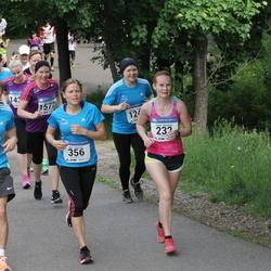 Helsinki Half Marathon - Sanna Haikonen (232), Lauri Heinonen (282), Kati Huhtinen (356)