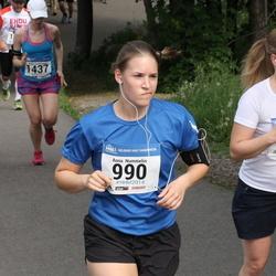 Helsinki Half Marathon - Anna Nummelin (990), Mari Päätalo (1177), Kaisa Summanen (1437)