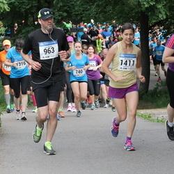 Helsinki Half Marathon - Tom Nickels (963), Ira Soppela (1411)