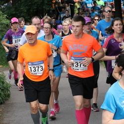 Helsinki Half Marathon - Niklas Simberg (1373), Mattias Simberg (1374)