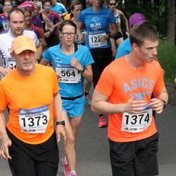 Helsinki Half Marathon - Tanja Kilpinen (564), Niklas Simberg (1373), Mattias Simberg (1374)
