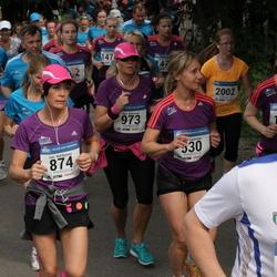 Helsinki Half Marathon - Marja Karttunen (530), Sari Matikainen (874), Sari Nieminen (973), Saara Sälpäkivi (1461), Kaisa Ylipekkala (2002)