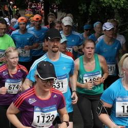 Helsinki Half Marathon - Katja Eskola (185), Salla Kutramoinen (674), Kirsi Petäjä (1123)