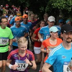Helsinki Half Marathon - Juha Henriksson (306), Salla Kutramoinen (674)