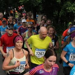 Helsinki Half Marathon - Liisa Peltonen (1105), Harri Ruokola (1267), Kaisa Saharinen (1301)