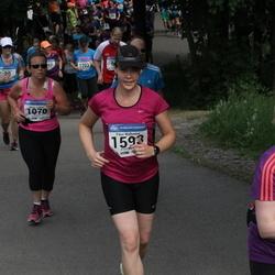 Helsinki Half Marathon - Marita Parkkari (1070), Päivi Wallenius (1593)