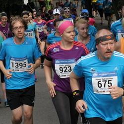 Helsinki Half Marathon - Heino Kutramoinen (675), Marika Muikku (923), Jussi Sivula (1395)