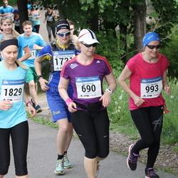 Helsinki Half Marathon - Anu Källman (690), Taru Nuorkivi (993), Kati Nironen (1829)