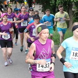 Helsinki Half Marathon - Nina Moisio (913), Emilia Suhonen (1433), Kati Nironen (1829)