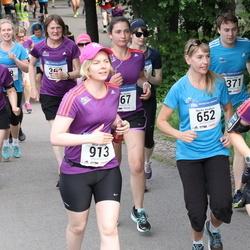 Helsinki Half Marathon - Lily Huuhtanen (369), Marika Koukkari (652), Nina Moisio (913)