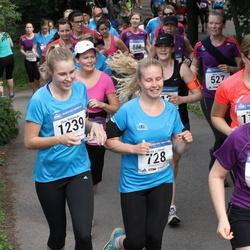 Helsinki Half Marathon - Lily Huuhtanen (369), Saara Laitinen (728), Elina Rintamäki (1239)