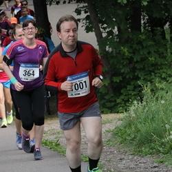 Helsinki Half Marathon - Kati Hurme (364), Sauli Nurmi (1001)