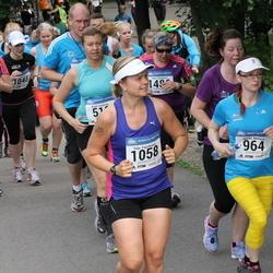 Helsinki Half Marathon - Taina Lyly (829), Marika Niemelä (964), Teija Paavilainen (1058)