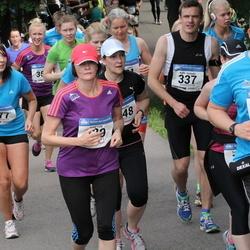 Helsinki Half Marathon - Kalle Hollmén (337), Sofie Hyttinen (377), Tero Somppi (1410)