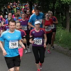 Helsinki Half Marathon - Ilari Lehtonen (768), Kati Riikonen (1227), Eeva Vantunen (1607)
