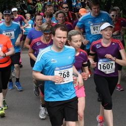 Helsinki Half Marathon - Ilari Lehtonen (768), Kirsi Ratinen (1203), Eeva Vantunen (1607)