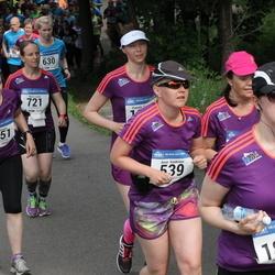 Helsinki Half Marathon - Anne Kaukinen (539), Arja Roininen (1251), Sandra Forsell (1893)