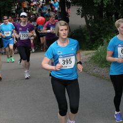 Helsinki Half Marathon - Riikka Härkönen (395), Mirka Koskelin (630)