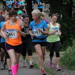 Helsinki Half Marathon - Mia Mark (861), Anita Vataja (1617)