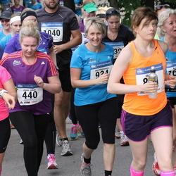 Helsinki Half Marathon - Jonna Jokela (440), Mila Mäenluoma (934), Anita Vataja (1617)