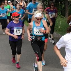 Helsinki Half Marathon - Ritva Katajainen (535), Leena Marttila (870)