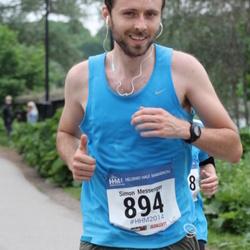 Helsinki Half Marathon - Simon Messenger (894)