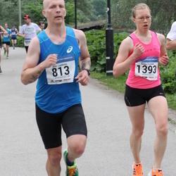 Helsinki Half Marathon - Atte Loukimo (813), Kaija Sivonen (1393)
