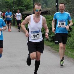 Helsinki Half Marathon - Timo Jääskeläinen (478), Jussi Nokkala (987)