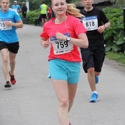 Helsinki Half Marathon - Lotta Lehmusvuori (759)