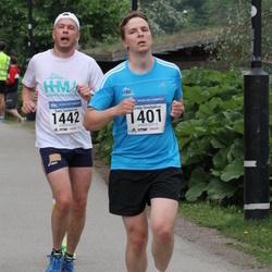 Helsinki Half Marathon - Alexey Smolyakov (1401), Sami Sundström (1442)