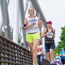 Helsinki Half Marathon - Iida-Maria Heinonen (284), Eeva Vallin (1596)