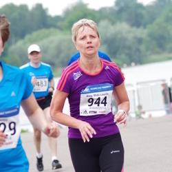 Helsinki Half Marathon - Anne Mäki-Laurila (944)
