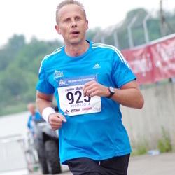 Helsinki Half Marathon - Jarmo Multisilta (925)