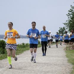 Helsinki Half Marathon - Mikko Kotiranta (651), Valli Parts (1074)
