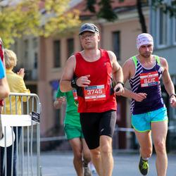 11th Danske Bank Vilnius Marathon - Algirdas Plikusas (3179), Rimantas Rozitas (3745)