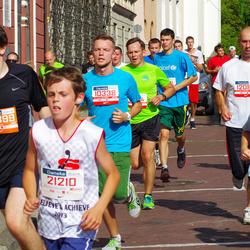 11th Danske Bank Vilnius Marathon - Gintaras Baltusevicius (10338), Tomas Barkauskas (12087), Margiris Upskus (21210), Dominykas Sedleckas (30899)