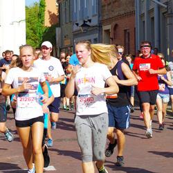 11th Danske Bank Vilnius Marathon - Daniele Jonušaite (21260), Gabriele Pauraite (21262)