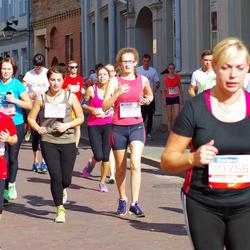 11th Danske Bank Vilnius Marathon - Gabija Kuodyte (21939), Reda Petraviciute (21954)