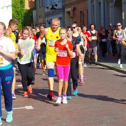 11th Danske Bank Vilnius Marathon - Ugne Cepkauskaite (10047), Kamilė Evelina Navardauskaitė (30115)