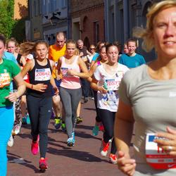 11th Danske Bank Vilnius Marathon - Diana Sokolova (20577), Gabriele Dženkaityte (20579), Andreja Cižikaite (20642)