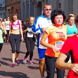 11th Danske Bank Vilnius Marathon - Justinas Armonas (20026), Domile Juršenaite (20905), Asta Sedleryte (21362)