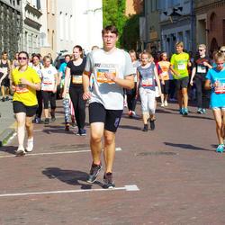 11th Danske Bank Vilnius Marathon - Adele Nedzinskaite (11924), Ieva Paklonskaitė (30599), Arnoldas Jurtautas (30914)